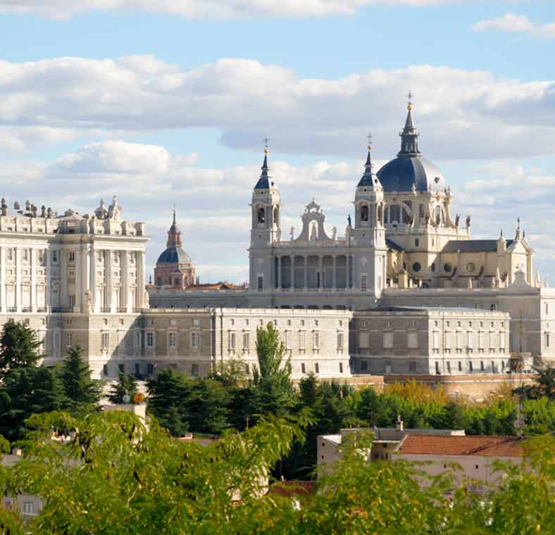 Top things to do in madrid lonely planet Best hotels in central madrid