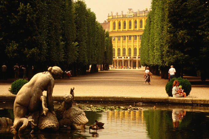 Roman inspired statues at the Schonbrunn Palace - Vienna