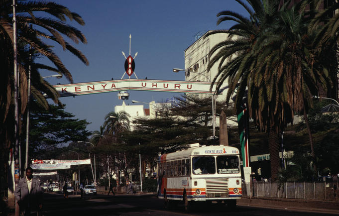 A bus travels along Kenyatta Avenue, Nairobi