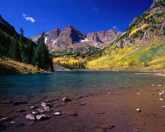 Maroon Lake and Maroon Bells Rocky Mountains.