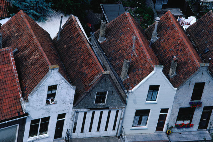 Overview of rooftops and house facades in Zierikzee.