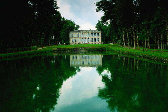 Chateau de Canon in Mezidon, dates back to the mid 18th century and is famous for its walled gardens - Mezidon, Normandy