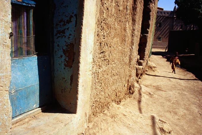 Mud-built house in Djenne's backstreets.