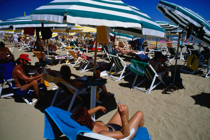 Popular with many folks is the beach at Lido di Jesolo, east of Venice