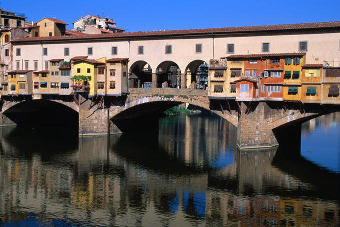 Shops and houses hang off the 14th century Ponte Vecchio.