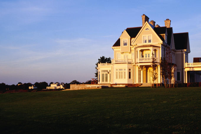 Historical houses along Newport's famous Cliff Walk.