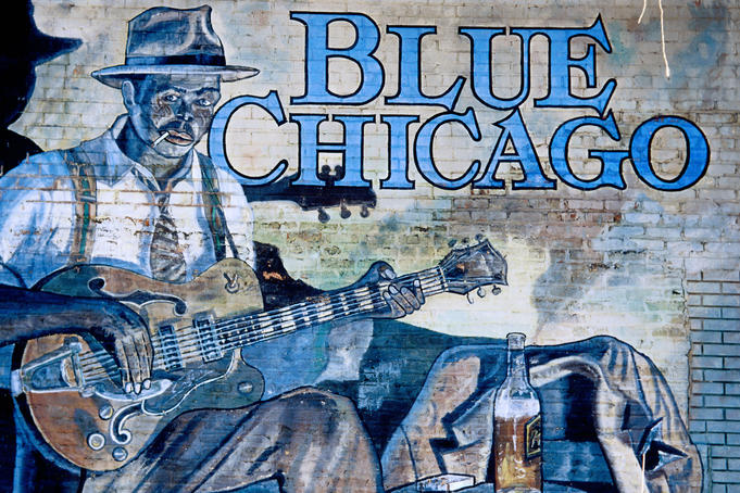Blue Chicago store mural on Clark Street.