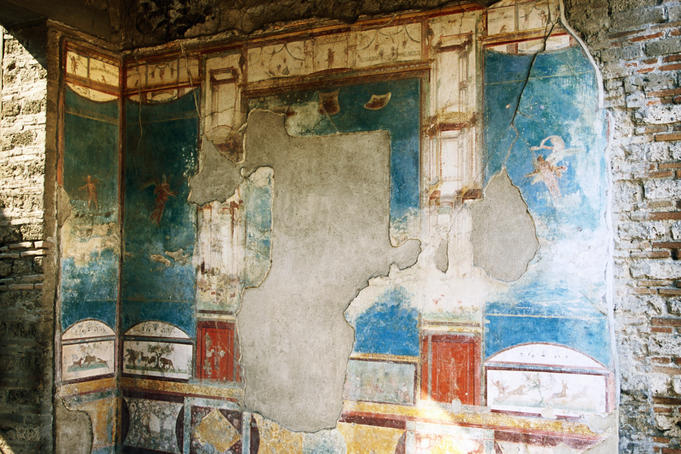 Damaged wall in Old Pompeii.