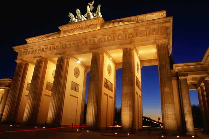 Brandenburg Gate at dusk.