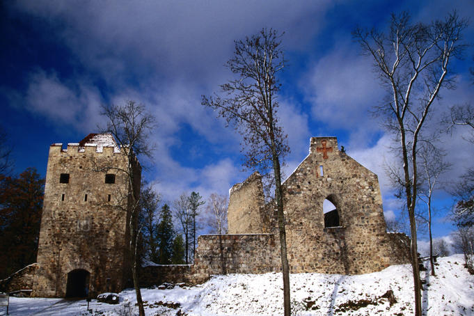 Winter scene, Sigula castle