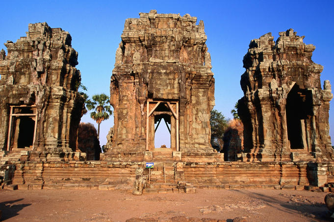 The three towers of Phnom Krom (Vishnu, Shiva and Brahma).