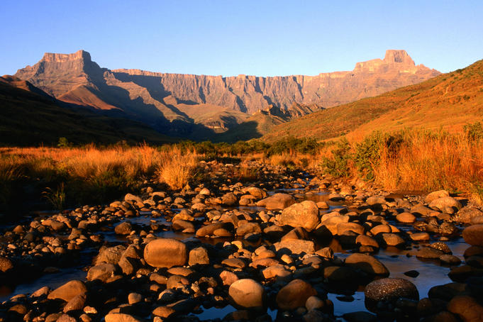 Thukela River and amphitheatre, Northern Drakensberg.