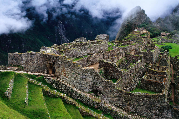 Overview of terraced royal Inca ruins.