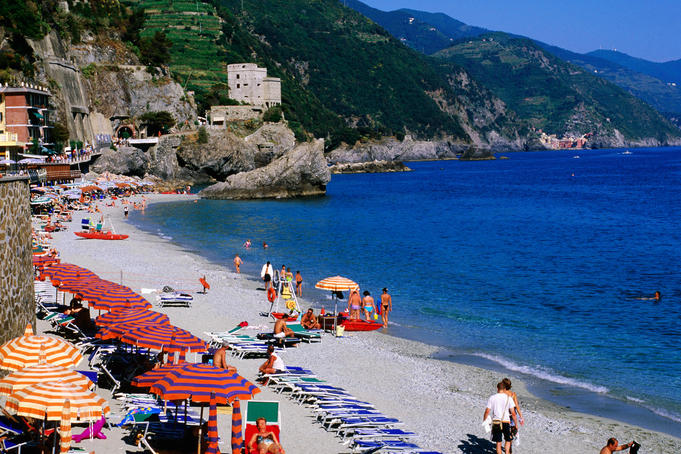 Beach on Ligurian Sea in Cinque Terre region.