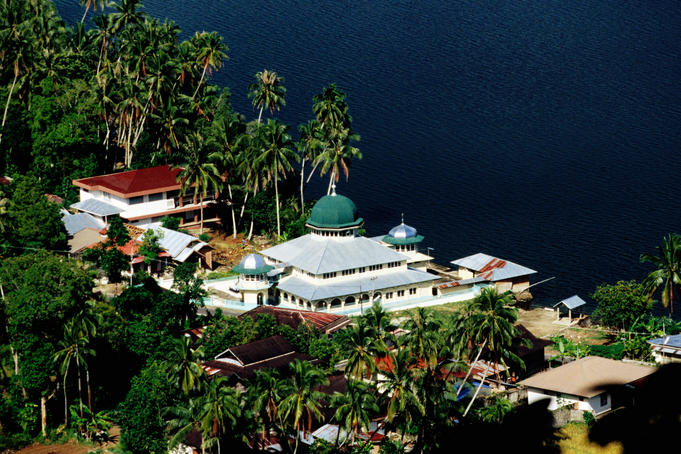 Mosque on side of Lake Maninjau.
