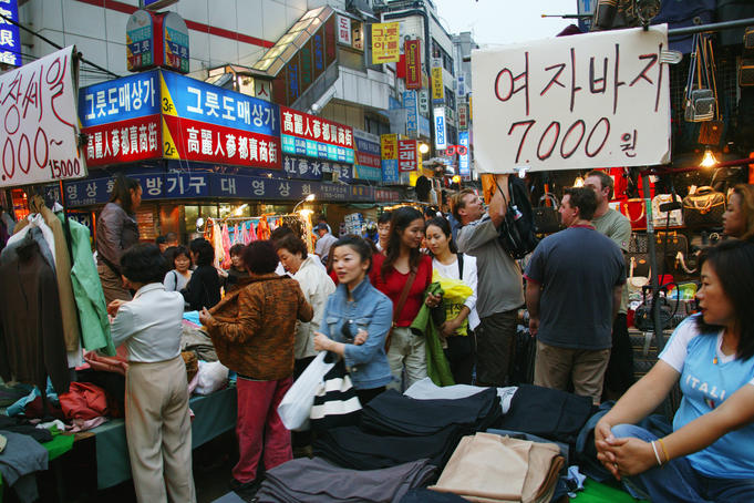 People at Namdaemun Markets.