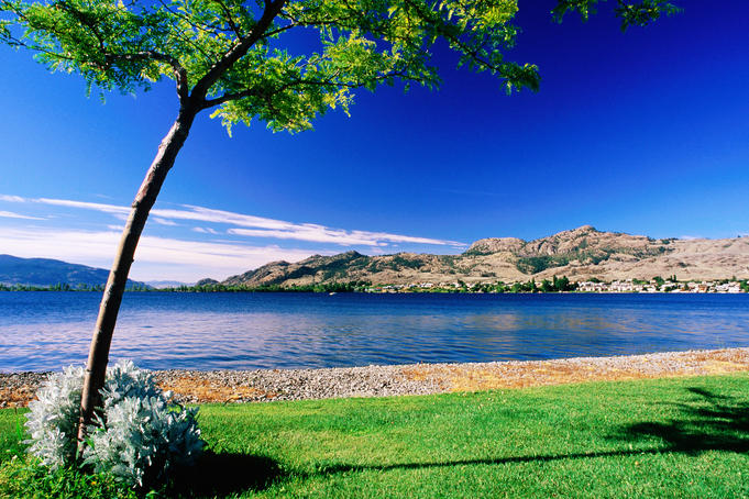 Osoyoos Lake from Pioneer Walkway.