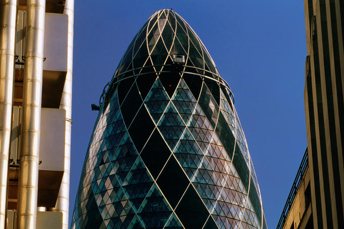 Swiss Re Tower (aka the Gherkin) in city.