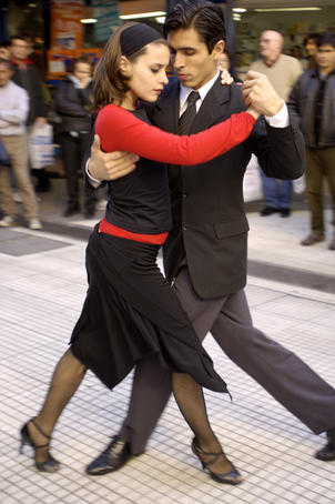 Buskers perform the tango on Avenida Florida.