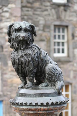 Greyfriars Bobby statue.