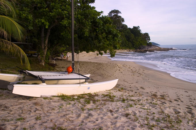 Beach scene at Pantai Kok.