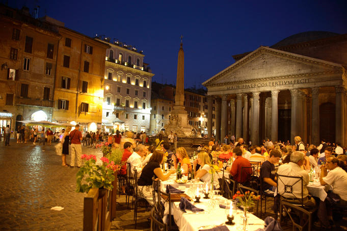 Outdoor dining at night, Piazza della Rotonda, Pantheon in background.
