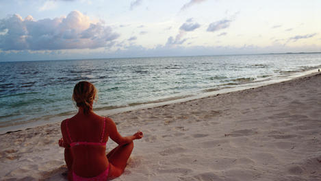 Yoga on beach, Cancún