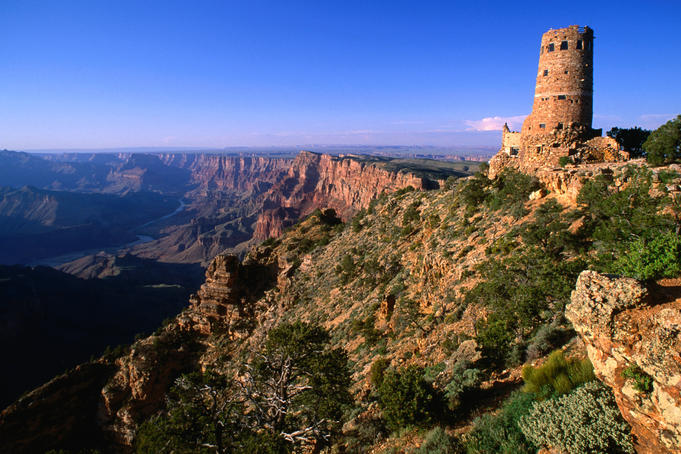 Watchtower at Desert View on canyon's southern edge.