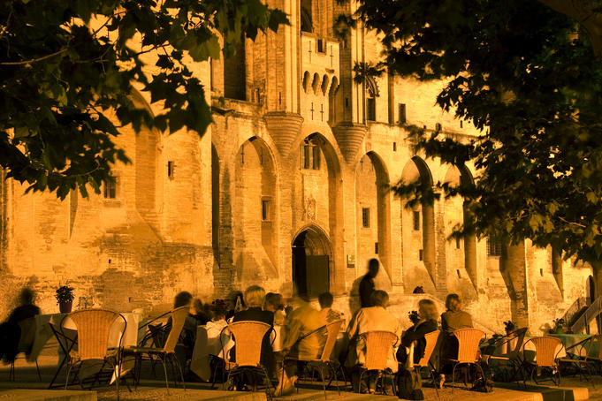 Outdoor dining near Palais des Papes.