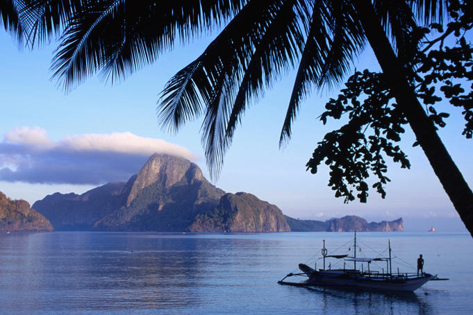 Cadlao Island from El Nido, sunrise.