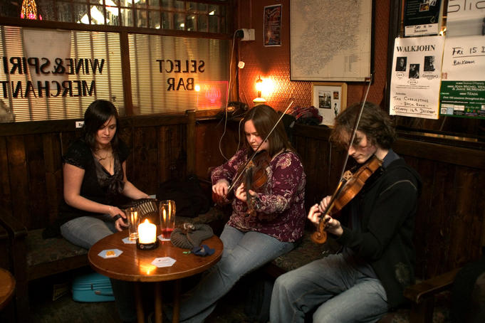 Musicians in the Cobblestone pub.