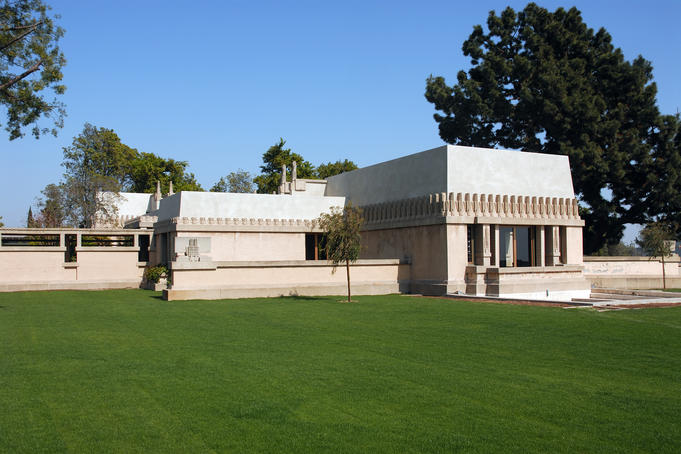 Los angeles around los angeles image gallery lonely for Hollyhock house