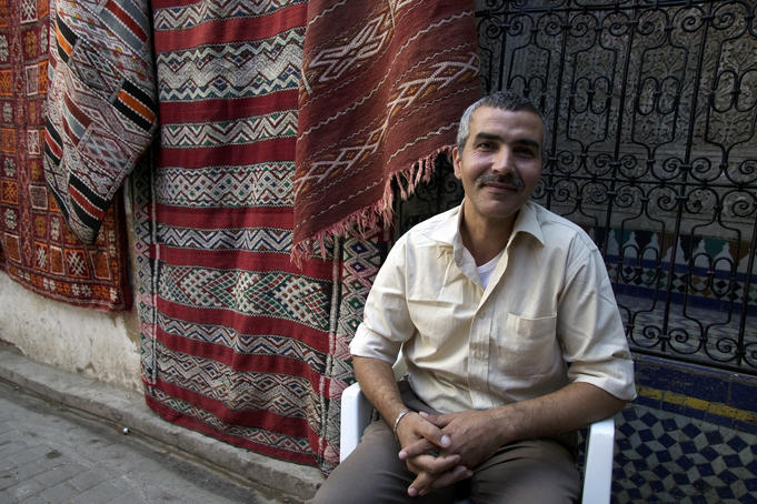 Carpet salesman, Medina, Fès