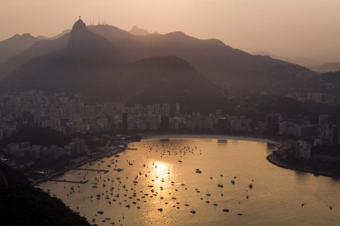 Sun set over Guanabara Bay from the summit of Pao de Acucar, (Sugarloaf Mountain).