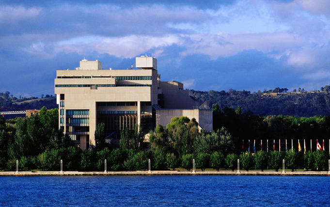 High Court of Australia & Lake Burley Griffin.