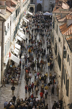 Pedestrians on Placa in Old Town, seen from city wall.