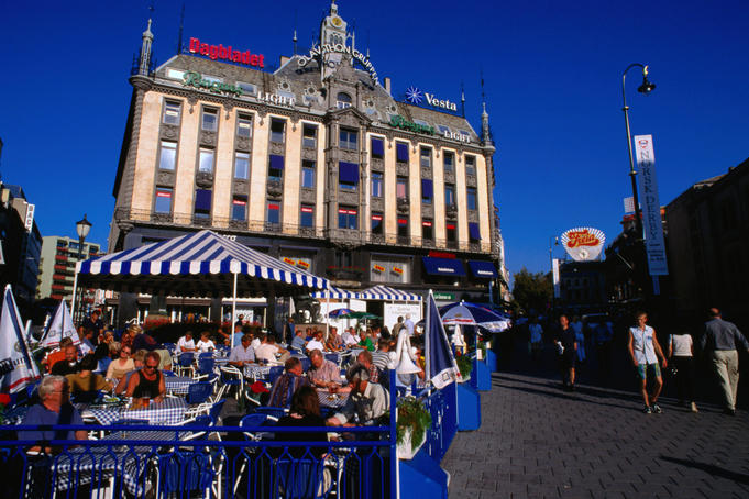 An outdoor cafe in the square on Karl Johan Street