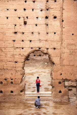 Tourists at the ruins of Palais el-Badi.