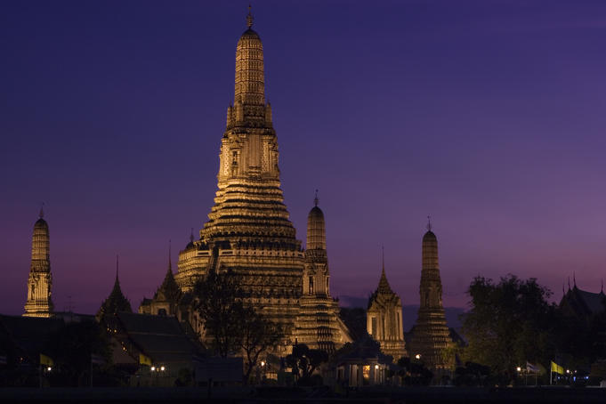 Wat Arun at dusk.