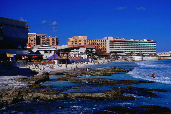 Gaviota Azul beach in the resort town of Cancun - Quintana Roo, Yu