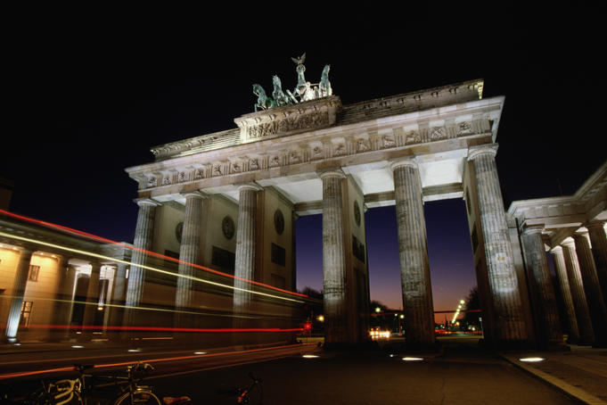 The Brandenburger Gate (Brandenburger Tor) at night (Berlin)