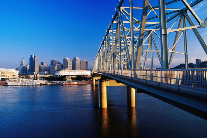 Taylor-Southgate Bridge over Ohio River with city in background.