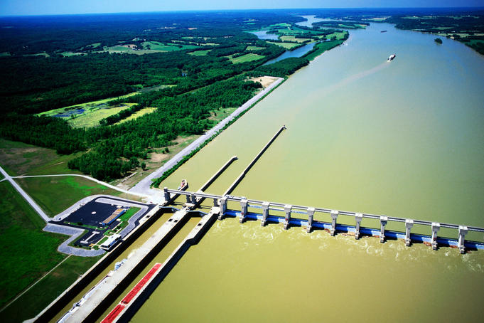 Lock and dam on Ohio River near Smithland.