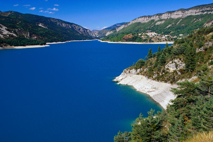 Castillon Lake in Provence. The lake stretches about 15 km, from St Andre-les-Alpes in the north to the southern end only a few km's above Castellane.