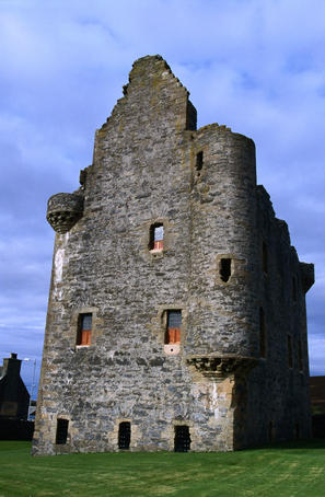 Ruin of Scalloway castle, built in 1600 by the notorious Earl Patrick Stewart with slave labour