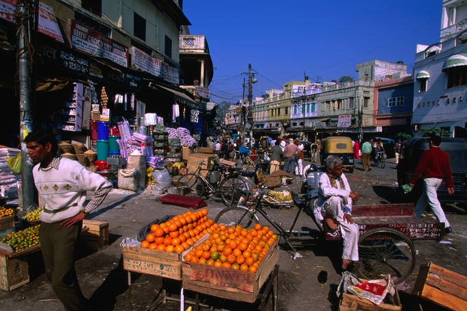 Fruit stall on Ramdwara Road which joins Pahar Ganj midways, Old Delhi.